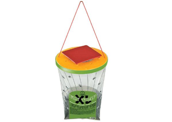 Die Fliegenfalle Fly Trap XL ist eine Falle für große Fliegen, preiswert, effizient und umweltfreundlich. Diese Falle enthält in ihrem Innern ein aus Lebensmitteln hergestelltes Lockmittel, bestehend aus proteinhaltigen Mehlen und anderen natürlichen Essenzen, die Fliegen und Sandmücken anlocken. Es enthält keine Insektizide oder andere Chemikalien.
